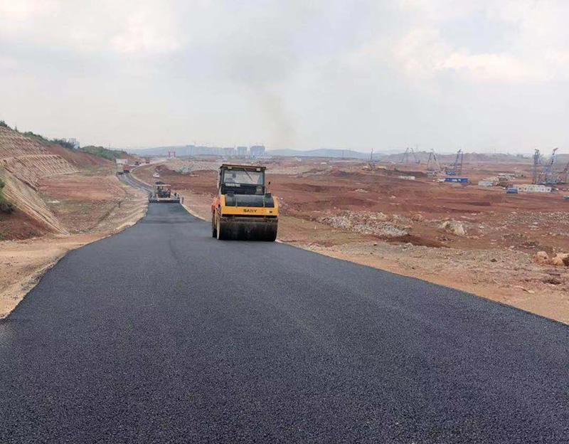 寶能新能源產業園區新建道路施工現場