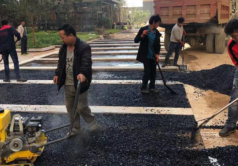 呈貢龍斗一號小區瀝青路面施工案例