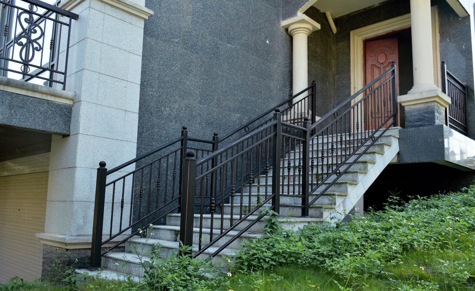 别墅锌钢楼梯扶手