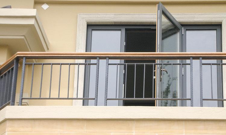 锌钢阳台护栏定制厂家