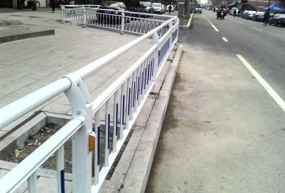 城市道路隔离栏