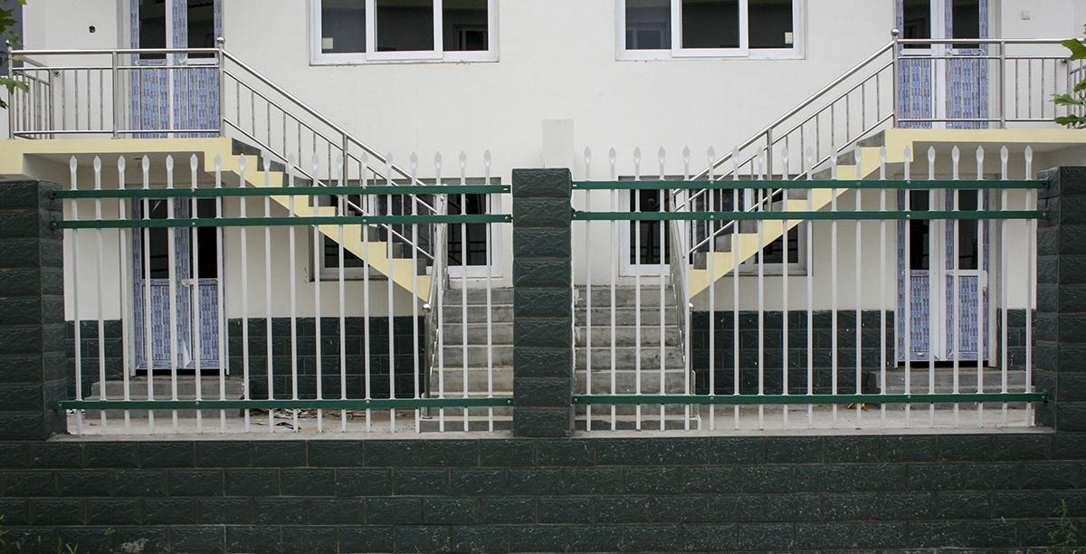 锌钢围墙护栏网