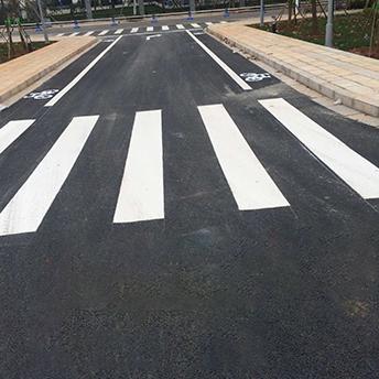 道路交通标线施工阶段包括哪些环节?