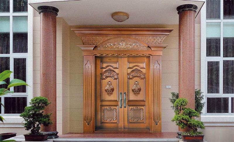 昆明铜门厂家为您引见一些铜门的保养小技巧