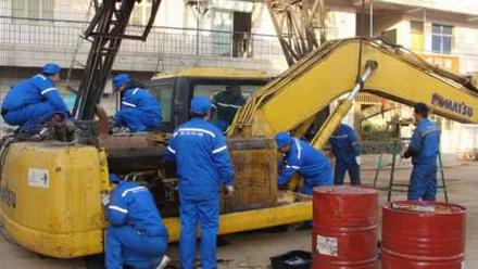 轮式挖掘机维修