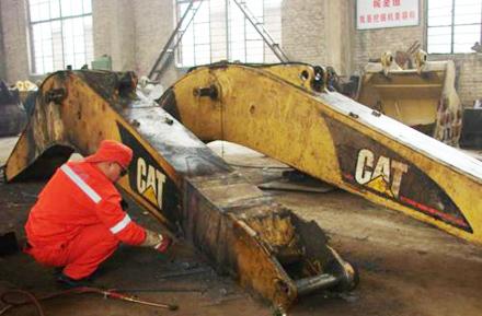 挂式挖掘机维修