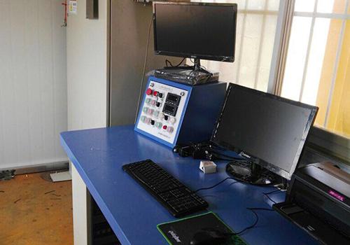 電腦控制系統