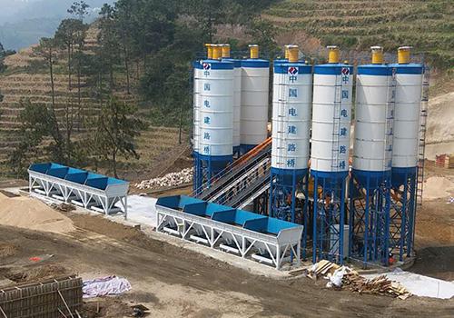 云南混凝土搅拌站厂家说:大型搅拌站设备更稳定,值得选择