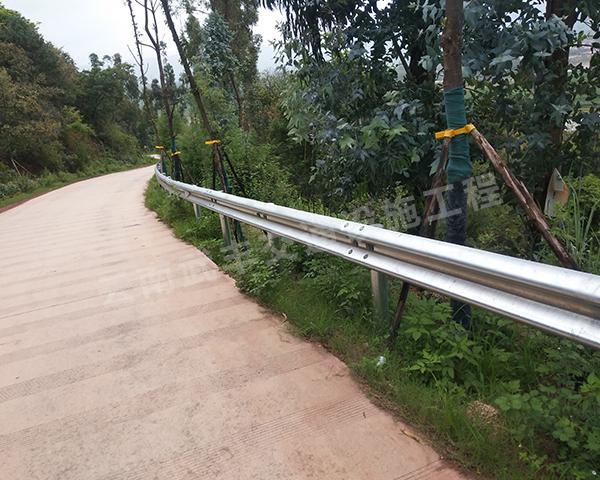 加強型波形梁護欄工程