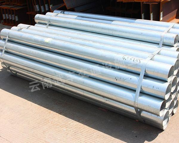 建水熱鍍鋅波形護欄立柱生產廠家