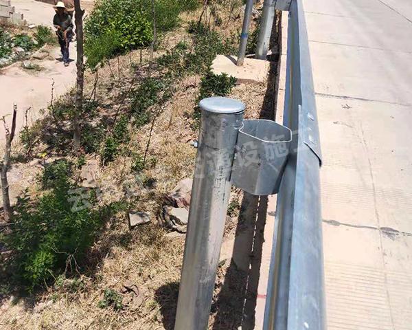 道路波形護欄工程案例