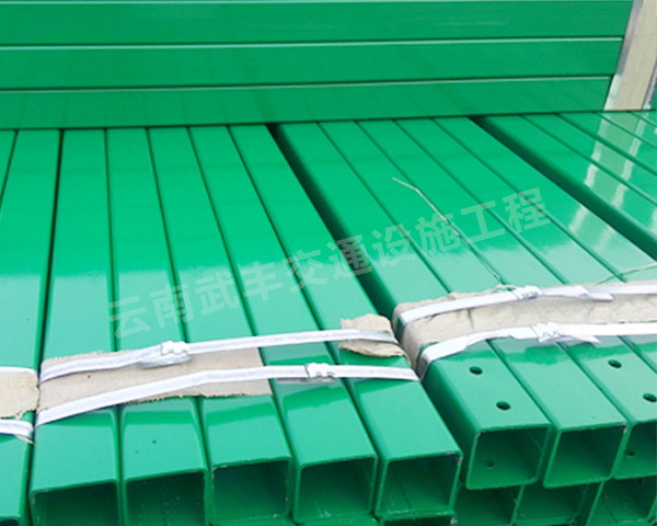 雲南公路波形護欄立柱廠家