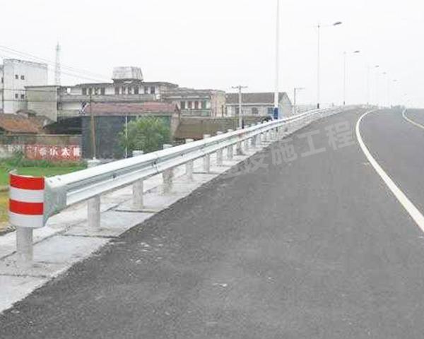 高速路护栏效果展示