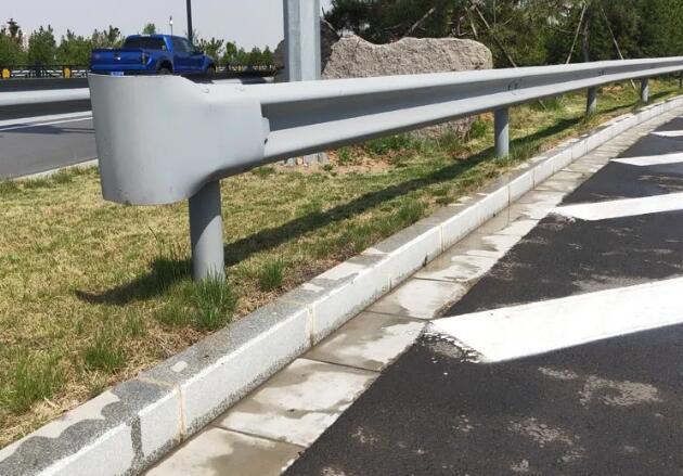 红河波形护栏安装方法及注意事项