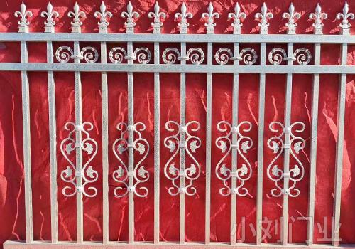 现代氏铁艺护栏