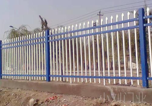 基地锌钢护栏