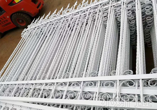 昭通锌钢护栏厂家
