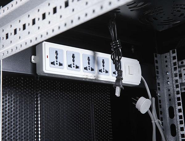 云南B系列服务器机柜