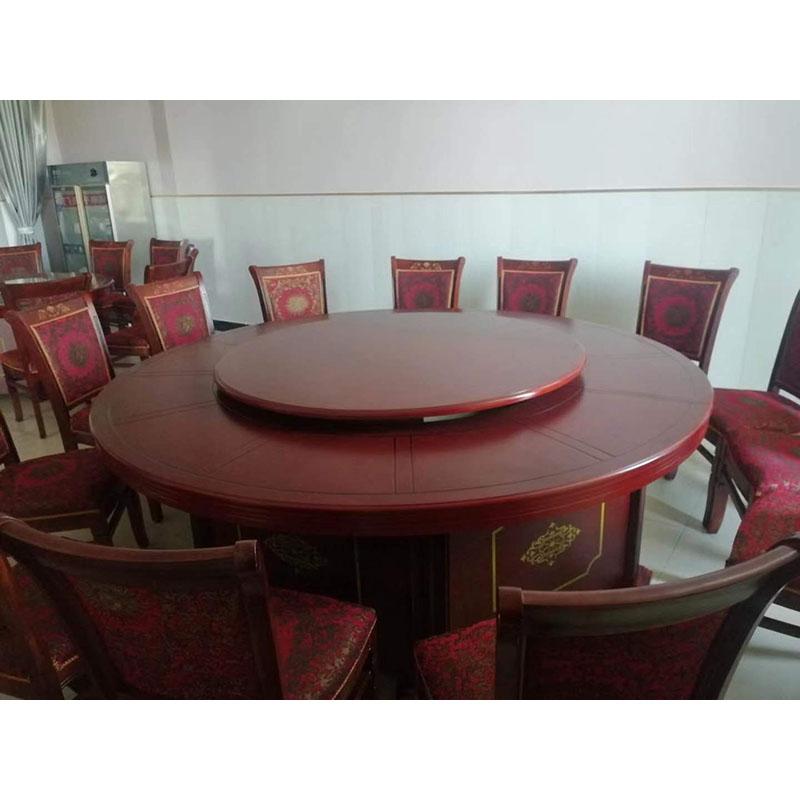 圆形木质餐桌椅