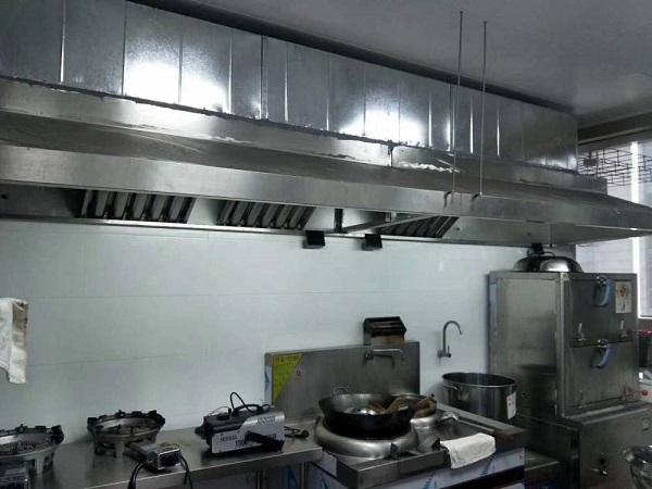 厨房设备中不可缺少的设备——灭火排烟设备
