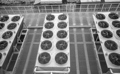 制冷设备零线为什么会带电?应该怎么解决?