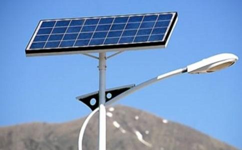 更换太阳能路灯蓄电池时需要注意的事项