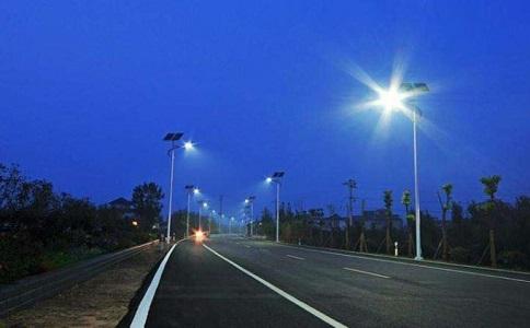 太阳能路灯需要考虑哪些抵抗外界环境的能力