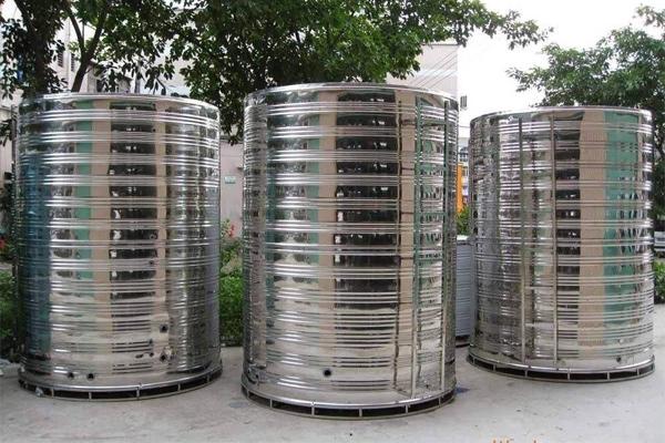 如何防止不锈钢水箱中的水溢出