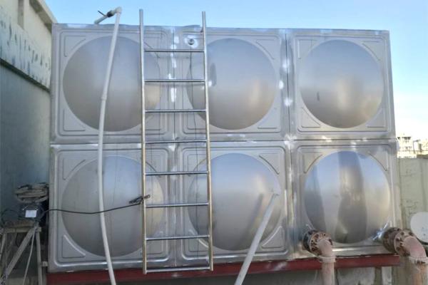 小海口三德集团-车间生产水箱