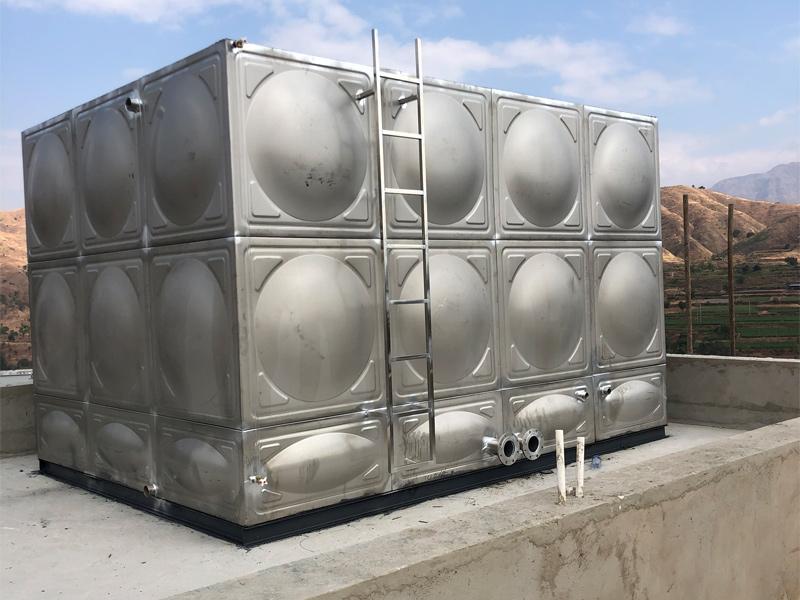30方消防水箱安装
