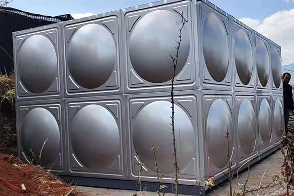 东川区太阳谷 304生活水箱安装完成