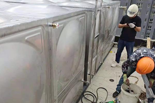 大理市水质检测中心消防水箱安装完成
