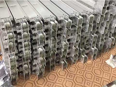 密集母线槽安装