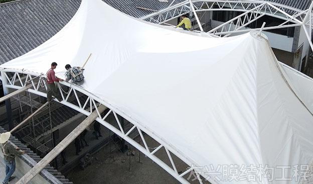 安寧遮陽棚膜結構施工安裝