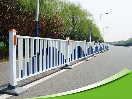 专业锌钢护栏,云南锌钢护栏厂批发价格优惠