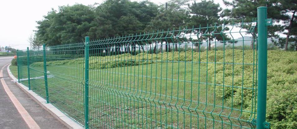 云南昆明边坡防护网改变了原有施工工艺,使工期和资金得到减少