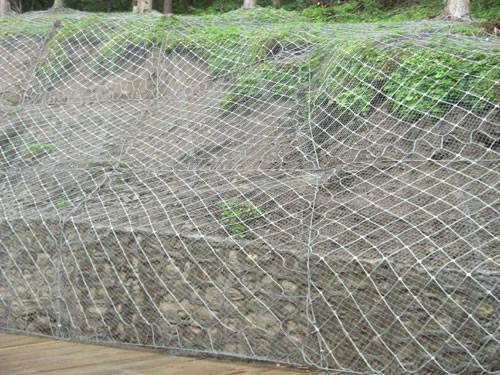 云南昆明边坡防护网起到加固作用和围护作用