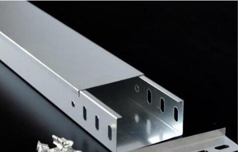 槽式电缆桥架盖板可以不盖吗?