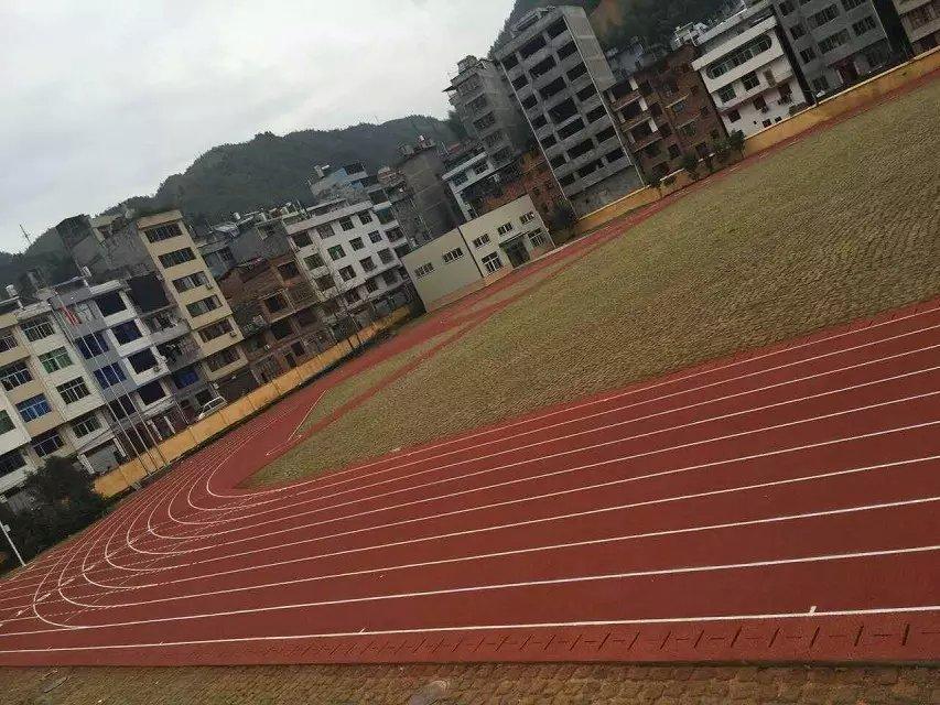 福建寿宁职业技术学院8000方透气跑道