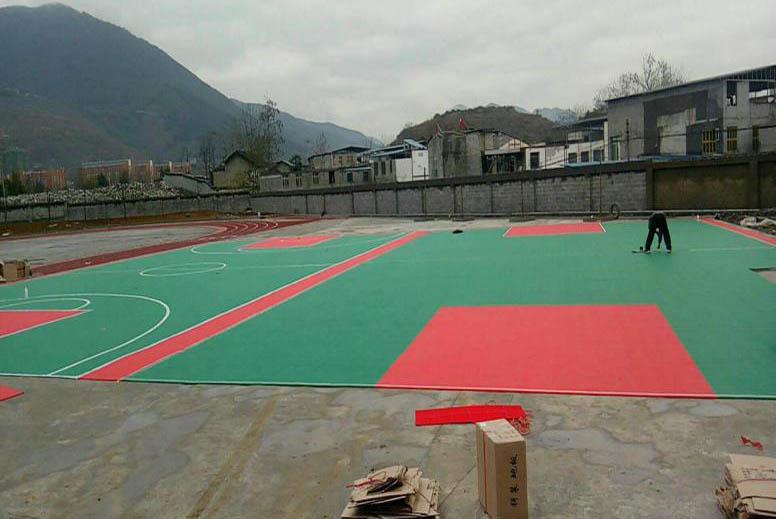 幼儿园拼装地板_悬浮式拼装地板_悬浮地板厂家