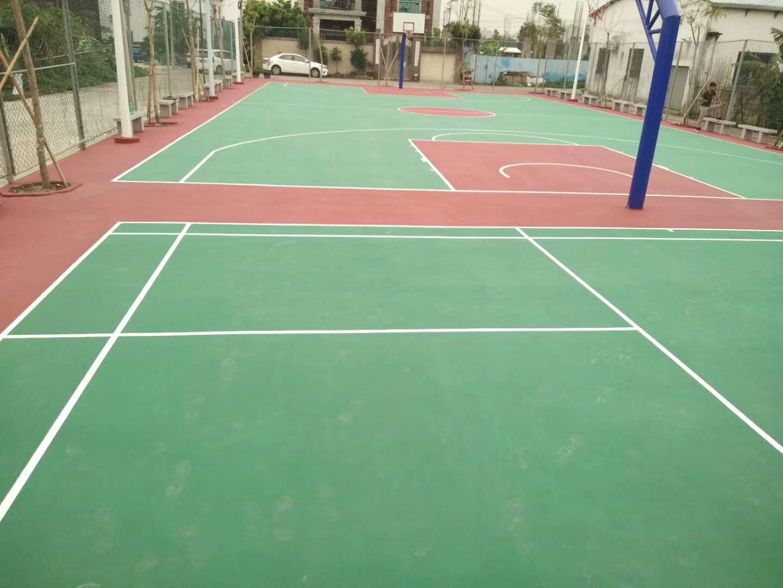 中山市丙烯酸篮球场起码弄、羽毛球场完工