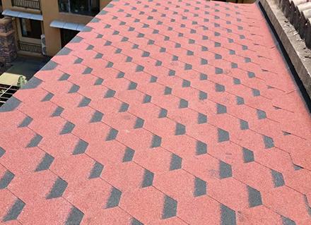 彩色沥青瓦的特点与材质是怎样的