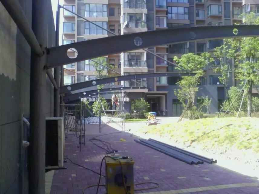 小区结构停车棚