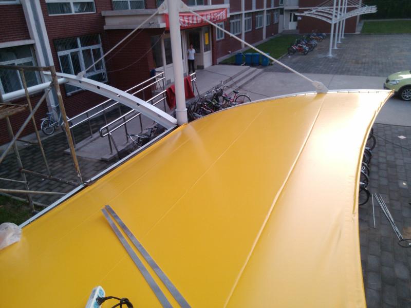 七字形膜结构停车棚