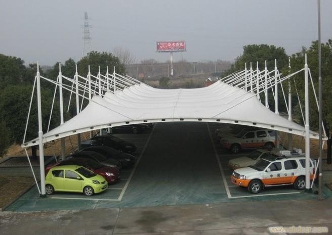 膜结构停车棚是如何为车辆带来好保障的呢?