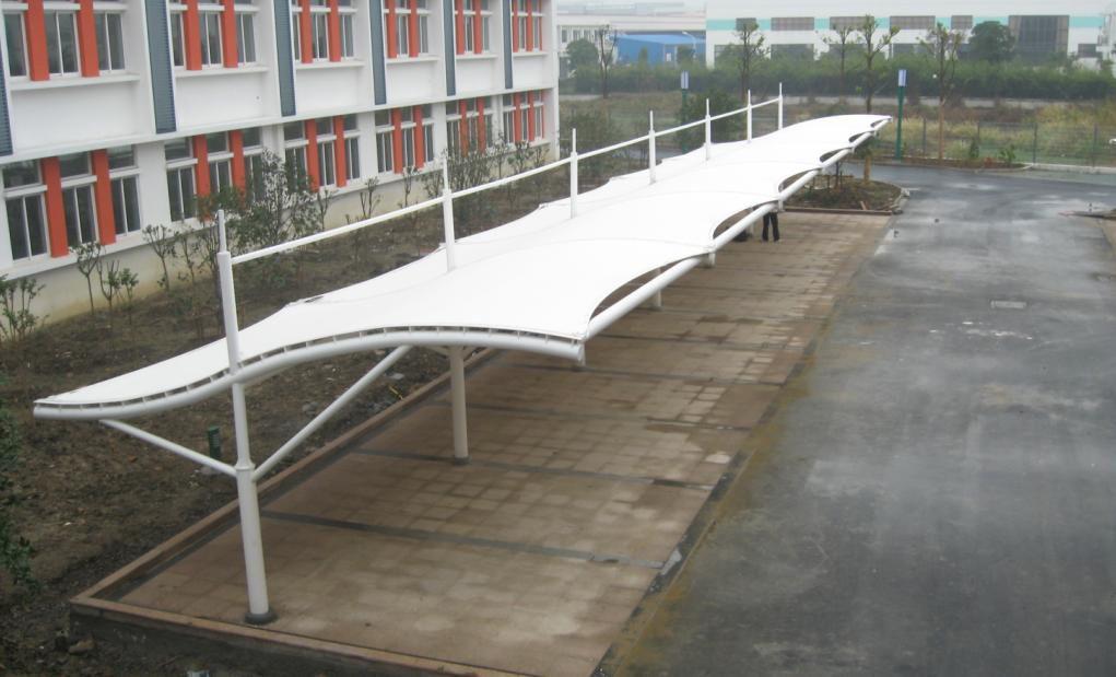 鹤岗/双鸭山怎么抵御雨雪措施和膜结构车棚维护