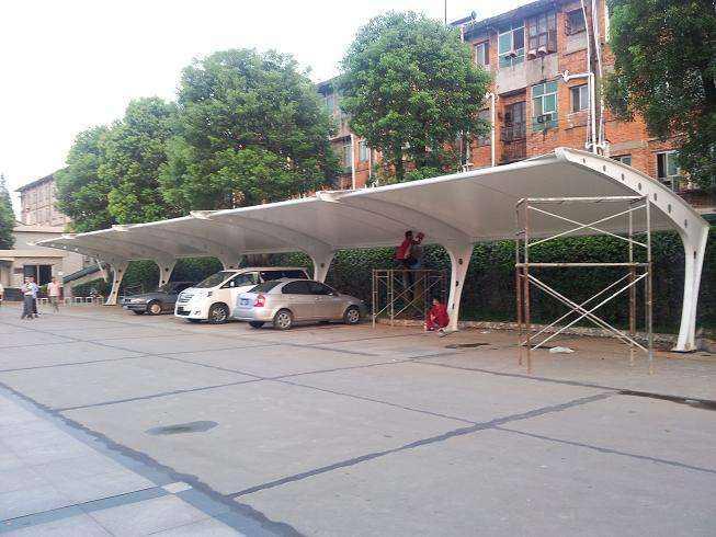 膜结构停车棚定制该如何对其进行制造呢?