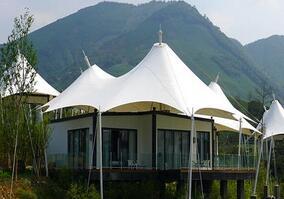 膜结构车棚采用的是被称为第六种建筑材料的膜材