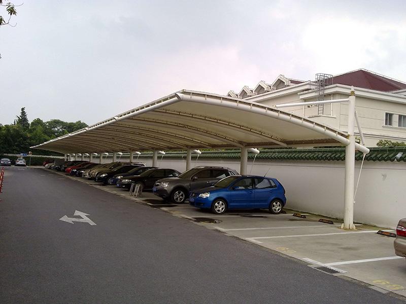 桂林/梧州须在膜结构停车棚之间建立有效的防火设施