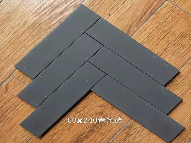 夹江艺然古建砖瓦厂出品的15万古建砖发往云南